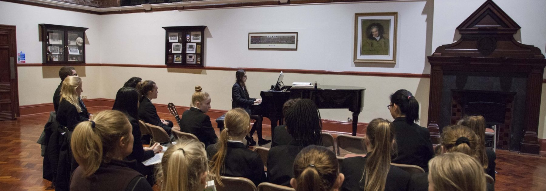 Lunchtime Live Concert