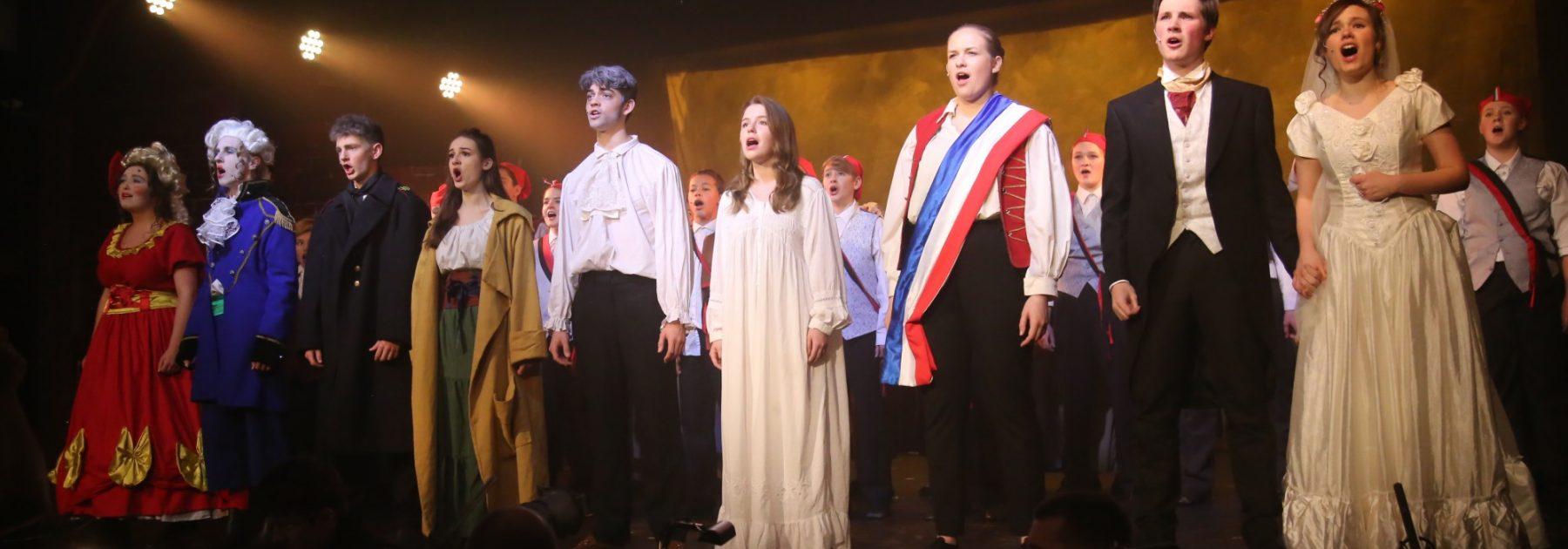 Glow Production – Les Misérables