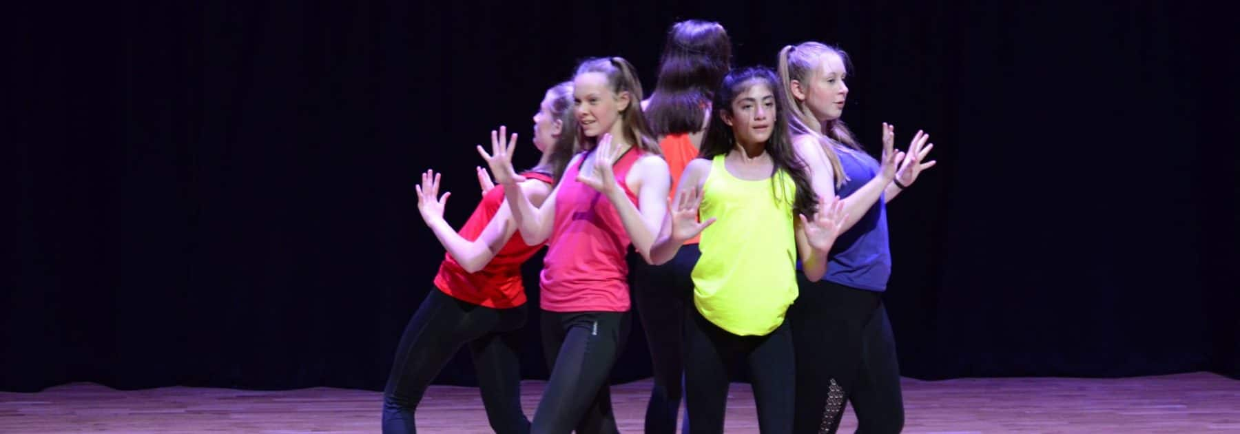Dance LIVE!